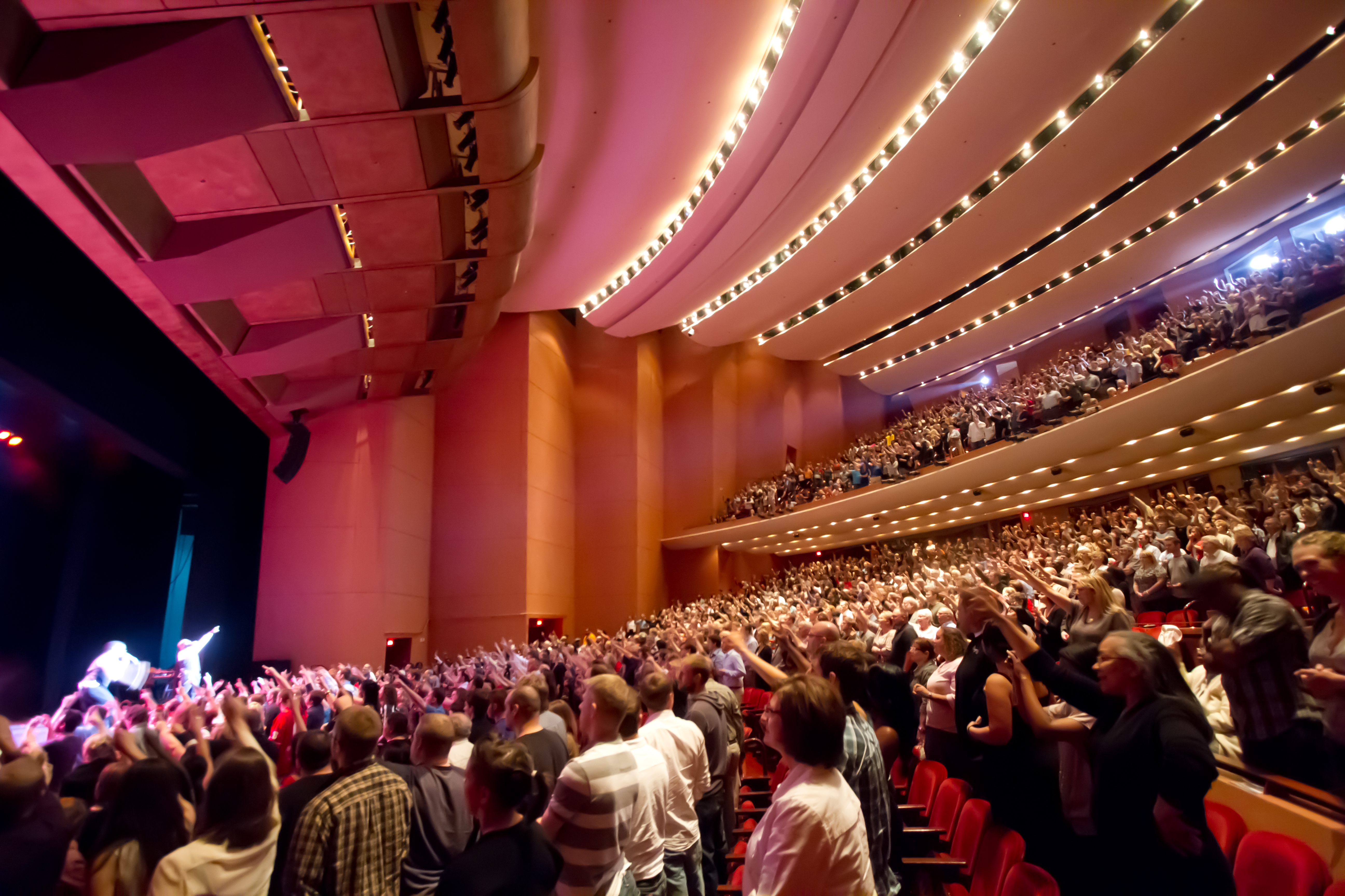 Lincoln Ne Events Popular Lied Center Events Approaching Sold Out Crowds From Season