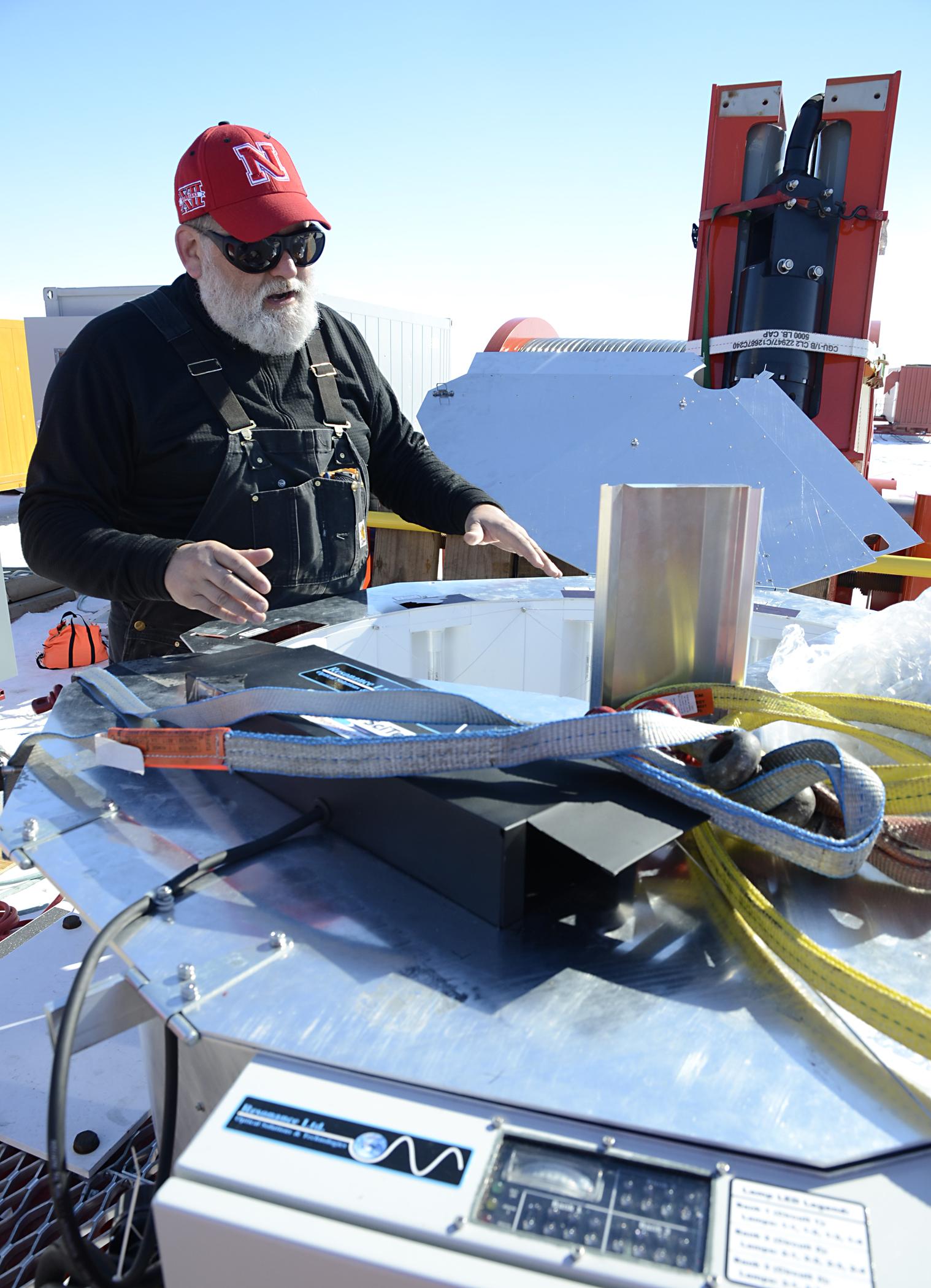 UNL\'s hot-water drill reaches subglacial Antarctic lake   News ...