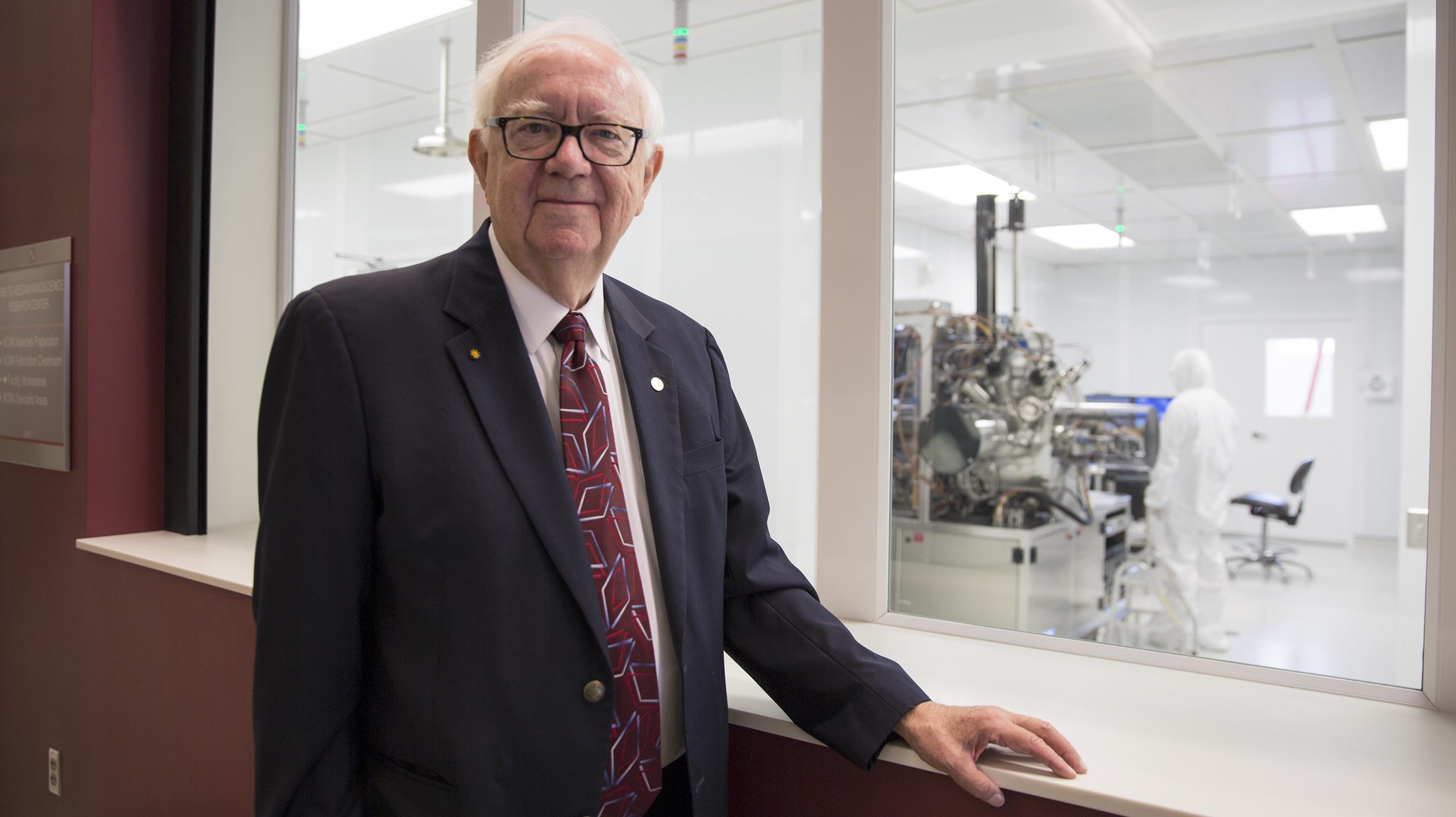 unl wins 3 5 million nsf grant for regional nanoscience center david sellmyer troy fedderson university communications
