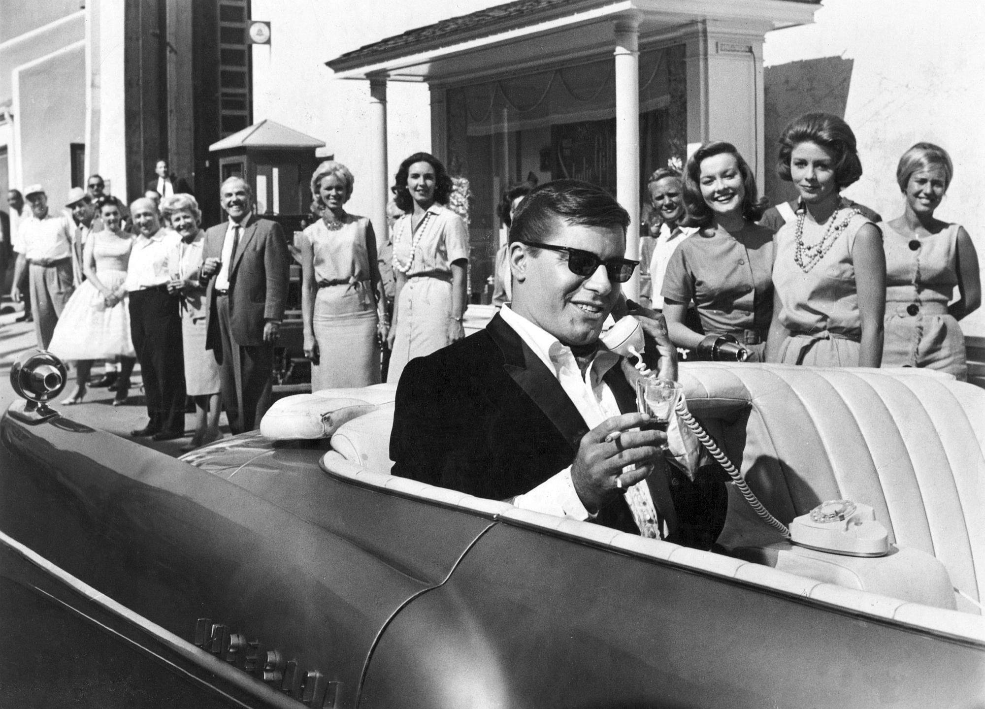 """Jerry Lewis in """"The Errand Boy"""""""