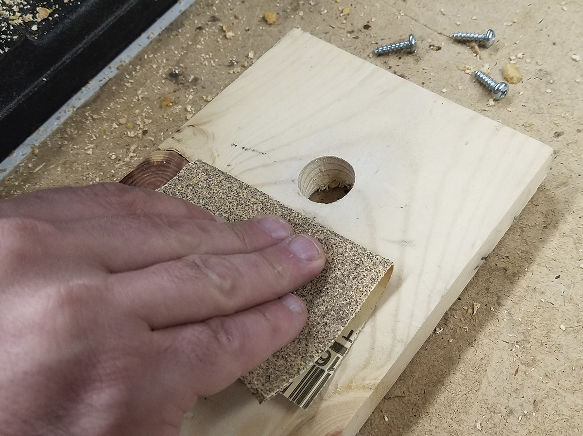 Before putting your birdhouse together, roughen the inside portion of the hole just below the entrance so young birds can climb out of the house easily. You can use coarse sandpaper, cut grooves or punch dents in the wood with a screwdriver. (Photo: Soni)