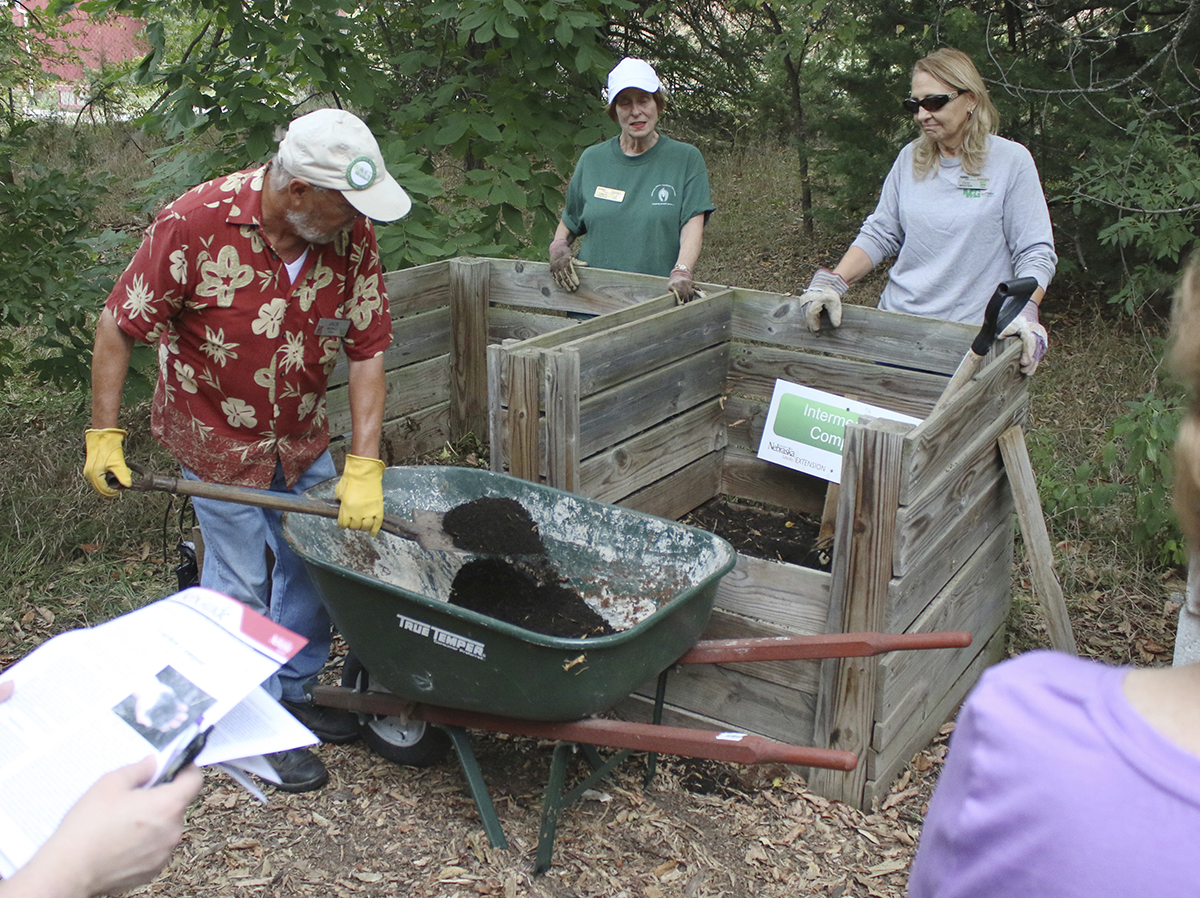Composting Demo MG 2016 - 06.jpg