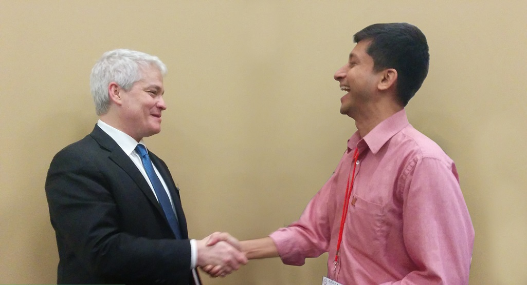 Saravanan Raju with Dr. John O'Brien, President and CEO of EDUCAUSE, at the 2017 EDUCAUSE Annual Conference.