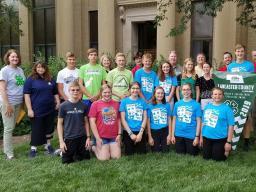 4-H Teen Council receiving Governor's Ag Excellence Award in 2019