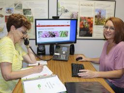 Master Gardeners volunteering answering phones.