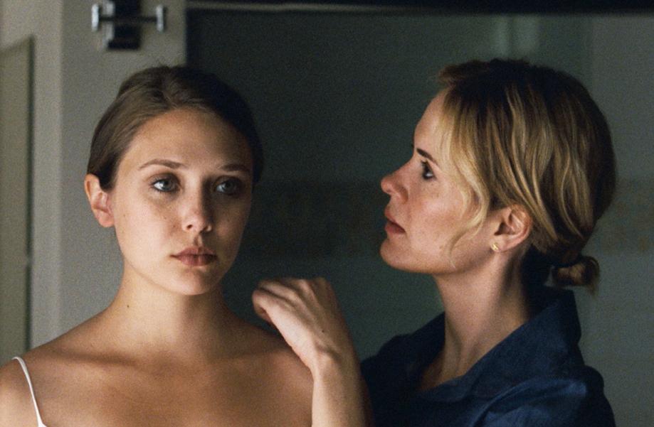 """Elizabeth Olsen in """"Martha Marcy May Marlene"""""""