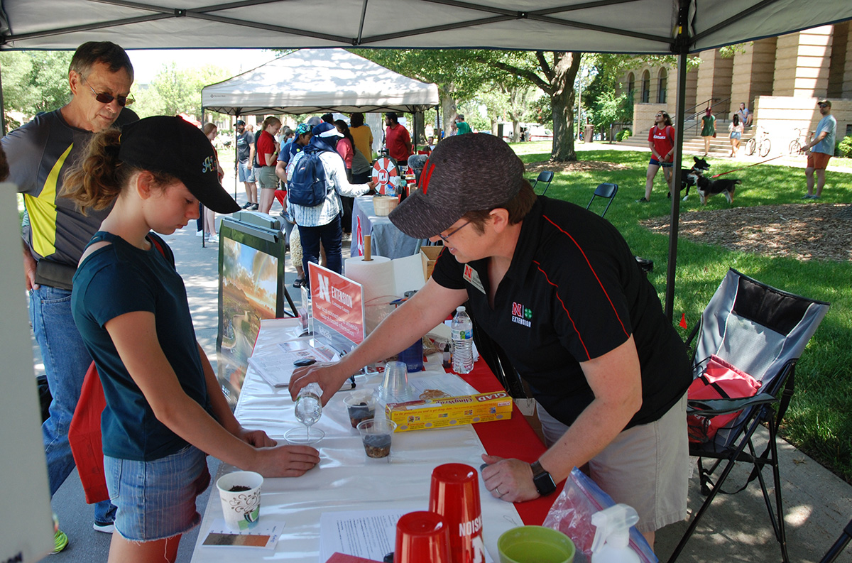 Becky Schuerman, Extension Domestic Water/Wastewater Associate, led a water activity at the June Discover Days.