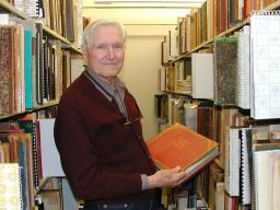 Jack Rokahr (1922-2021) installing his collection in the Music Library