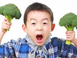 child-wth-broccoli.jpg