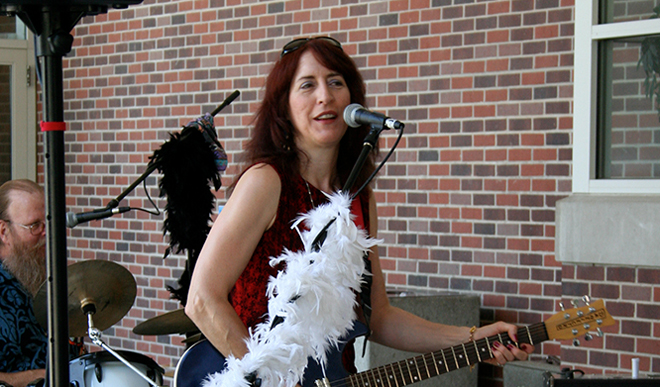 UNL's Fountain Frolics concert series opens June 6 with the band Jumpin' Kate and the Naked Reserves.