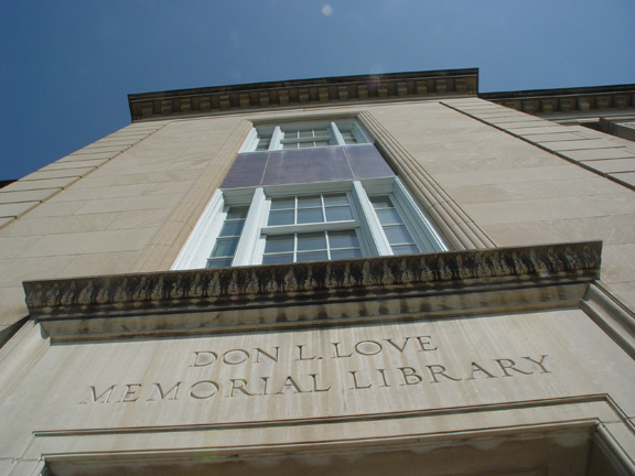 South facade to UNL's Love Library. (Troy Fedderson, University Communications