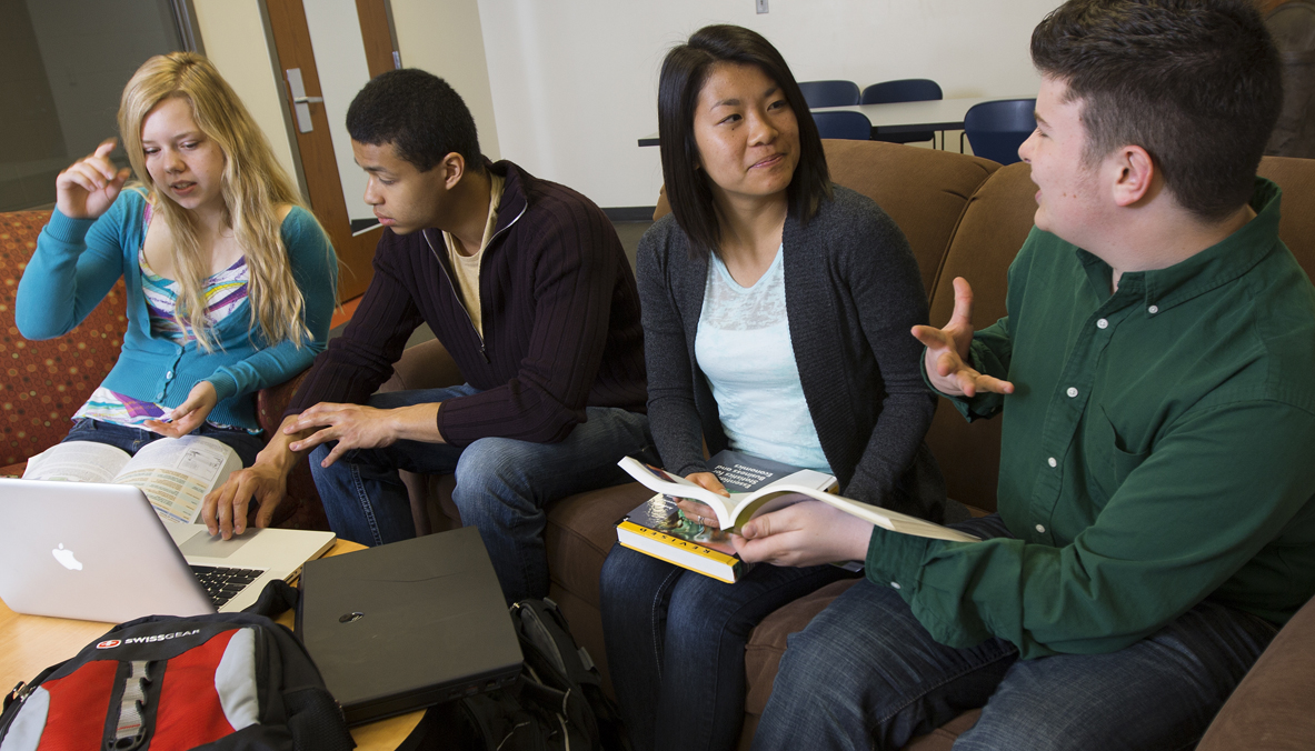 Students in a College of Business Administration learning community study in Abel Hall. (Craig Chandler, University Communications)