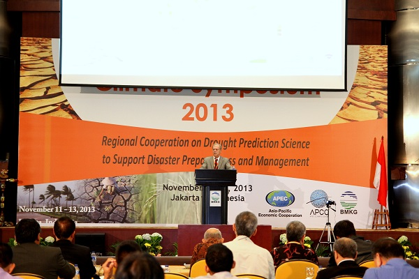 Don Wilhite delivers the keynote address at the Asian-Pacific Climate Symposium in Jakarta, Indonesia.
