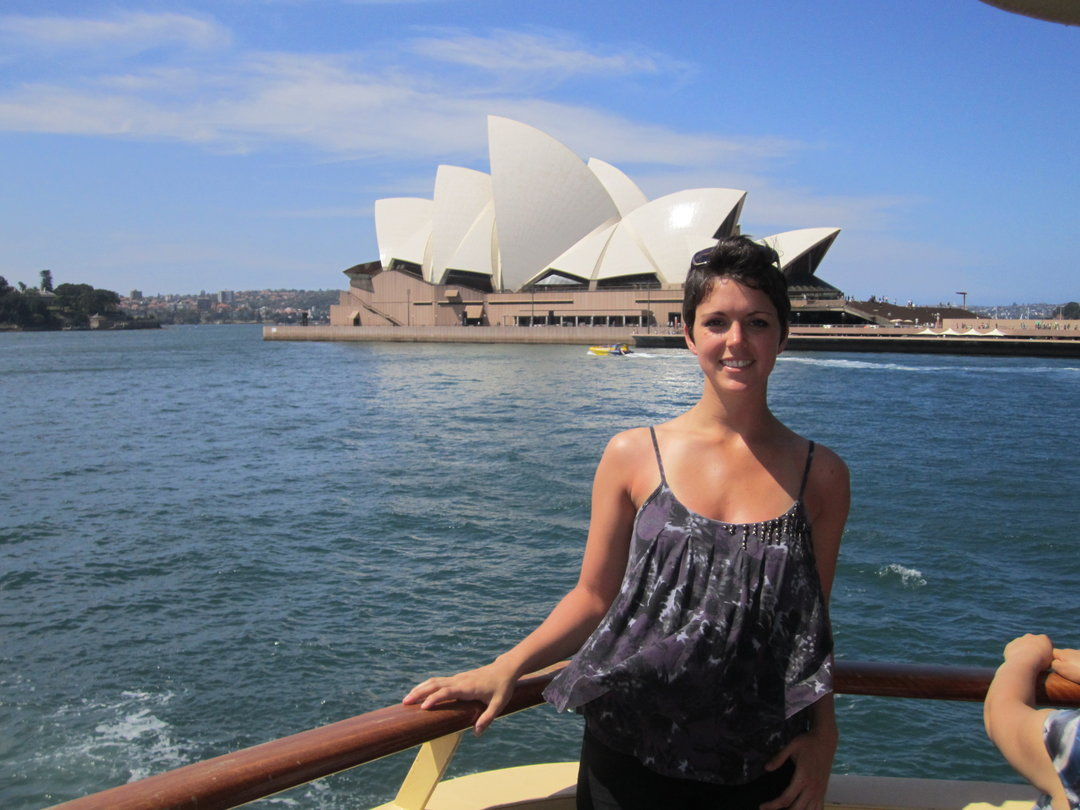 Katie McClelland in front of the Sydney Opera House while on a study abroad program to Australia