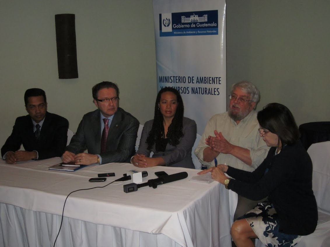 Bob Oglesby talks during the public presentation that coincided with the third climate change downscaling workshop in Guatemala. (Courtesy photo)