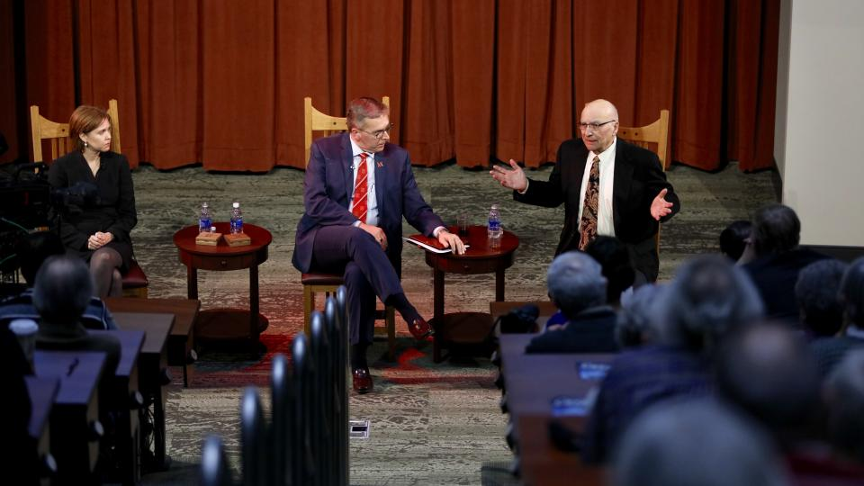 (From left) Darci Vetter, Ronnie Green and Clayton Yeutter converse during a Heuermann Lecture Jan. 12 at Nebraska Innovation Campus. (Craig Chandler | University Communications)