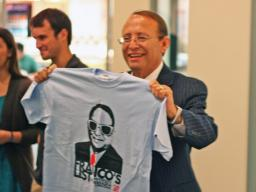 Dr. Franco with Franco's list t-shirt.