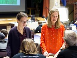 Jenny Dauer, assistant professor of natural resources, speaks with a student about a decision-making exercise. Dauer's forthcoming research is on using the decision-making model to teach scientific literacy.Jenny Dauer, assistant professor of natural reso