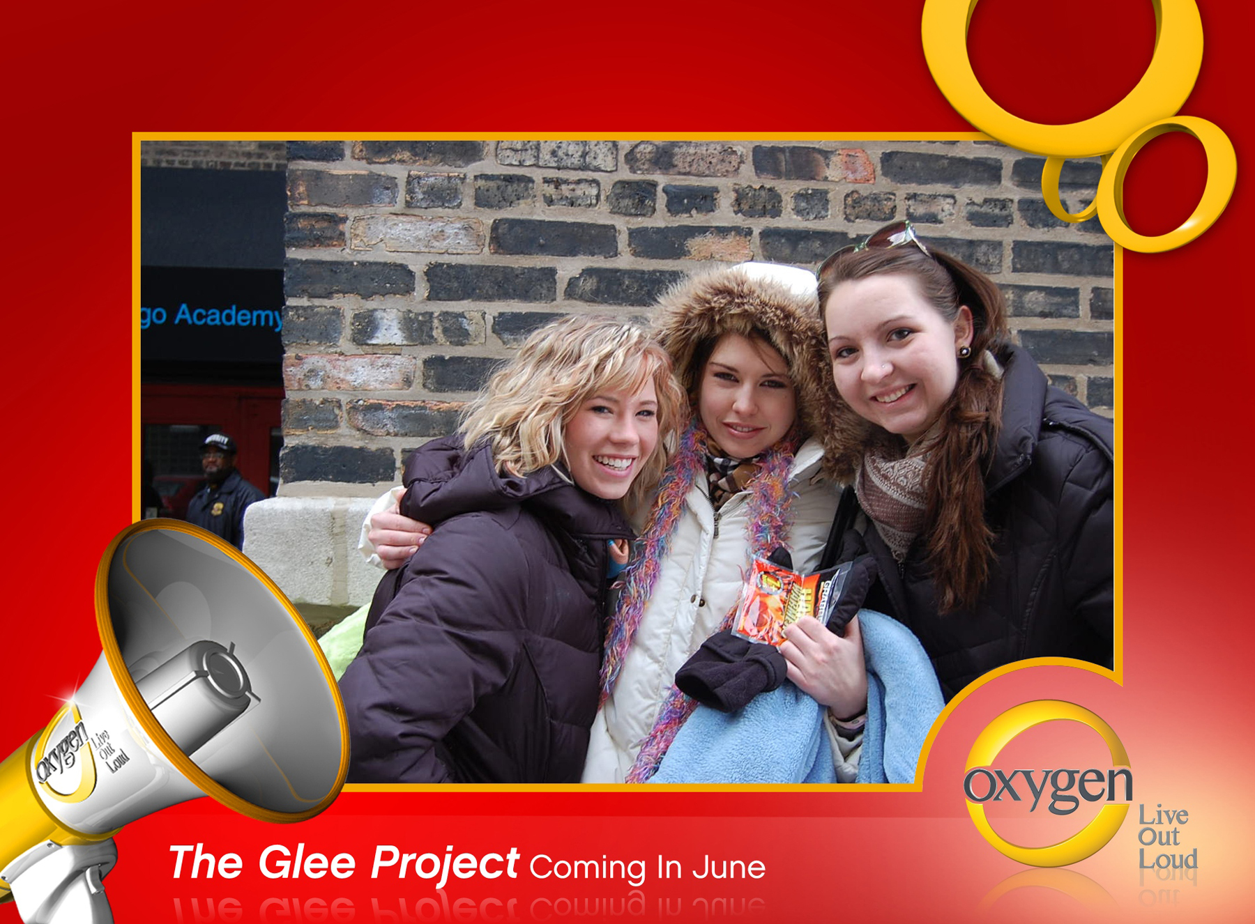 "Nikki Kelly (left) with friends Olivia Vandenberg and Emily Barrett outside the Chicago Arts Academy before their auditions for the Oxygen Channel's ""The Glee Project"" on Dec. 19. Photo courtesy of Nikki Kelly."