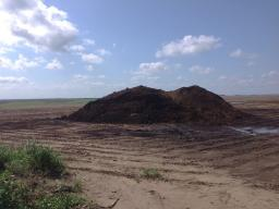 Stockpiling of manure or other biosolids should be a temporary storage method. Photo credit Amy M. Schmidt.