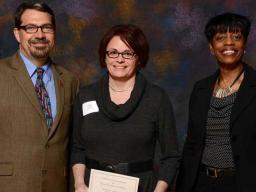 Recipient Katie Jewell with representatives from the UNL Parents Association and the Teaching Council.