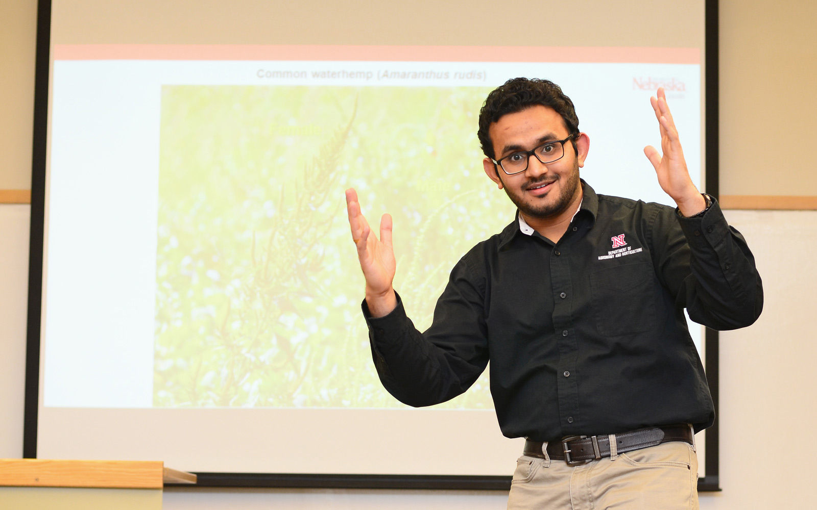 Debalin Sarangi presents at the 2017 Science Slam: Postdoc Edition.  Murtaza Nalwala | Civil Engineering Major