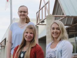 (L–R) Abby Babcock, Sheridan Swotek and Jayde Hessler