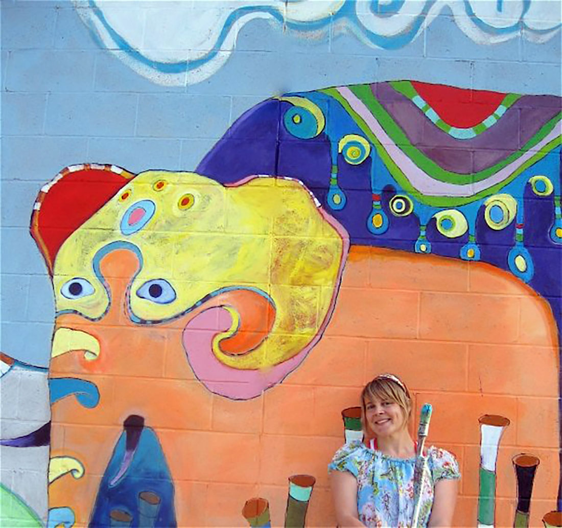 Wendy Bantam poses outside her creation in 2009.